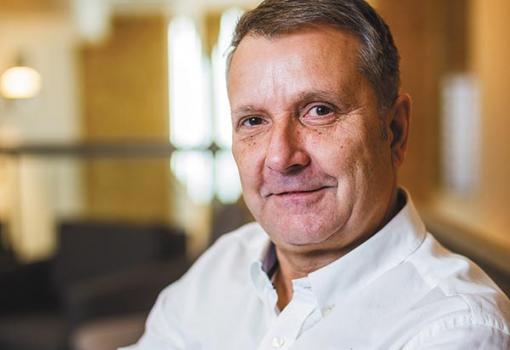 Parasztvakítás és nyeregbe szállás – Interjú Molnár Gyulával, az MSZP elnökével